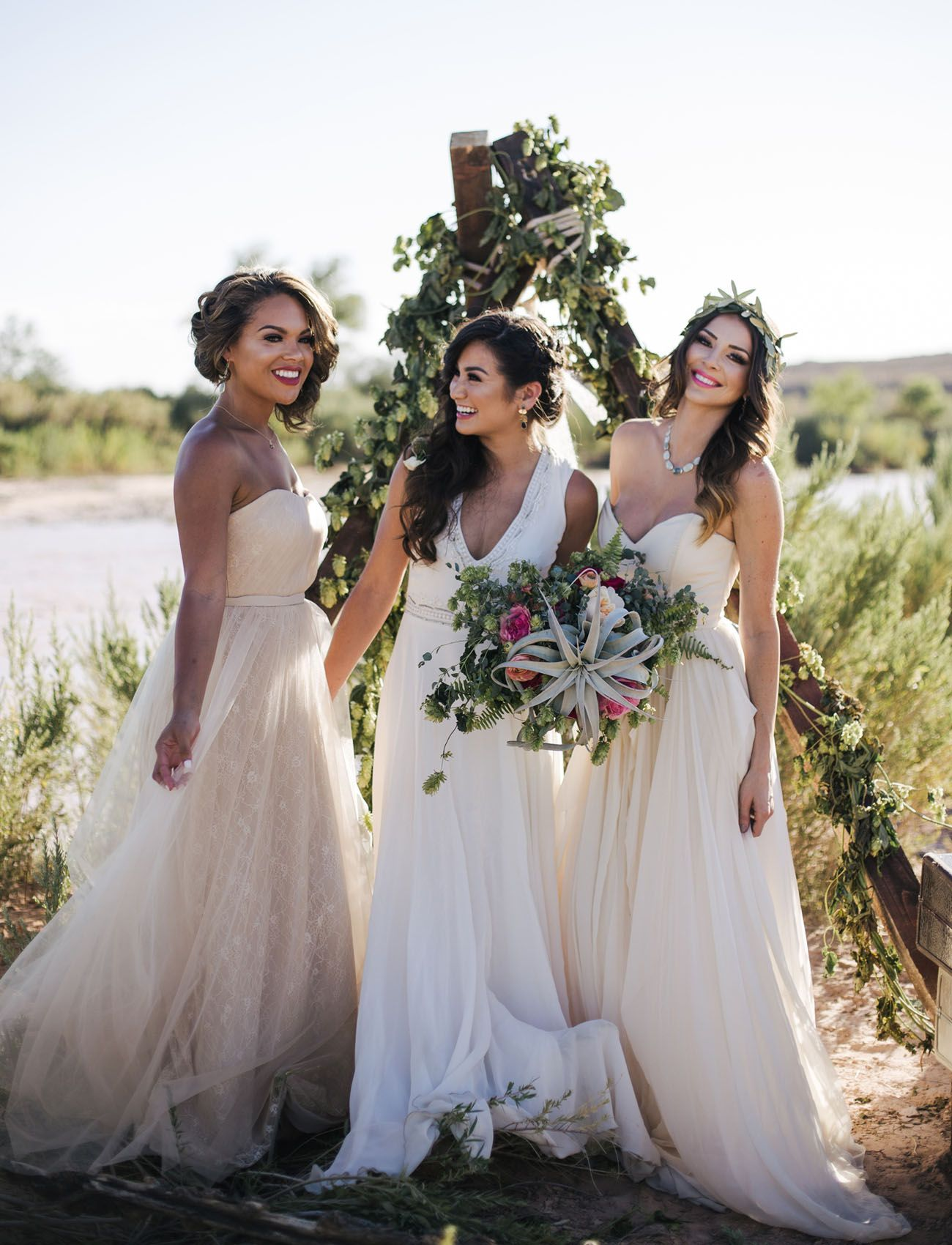 Romantic Desert Shoot with the Ladies of The Bachelor  Caila quinn
