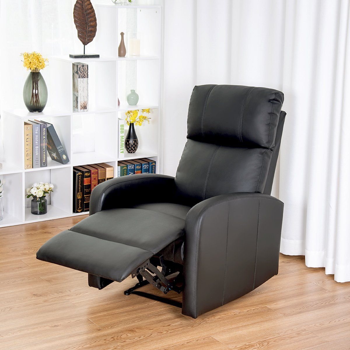 Giantex Modern Leather Recliner Chair Pushback Single Padded