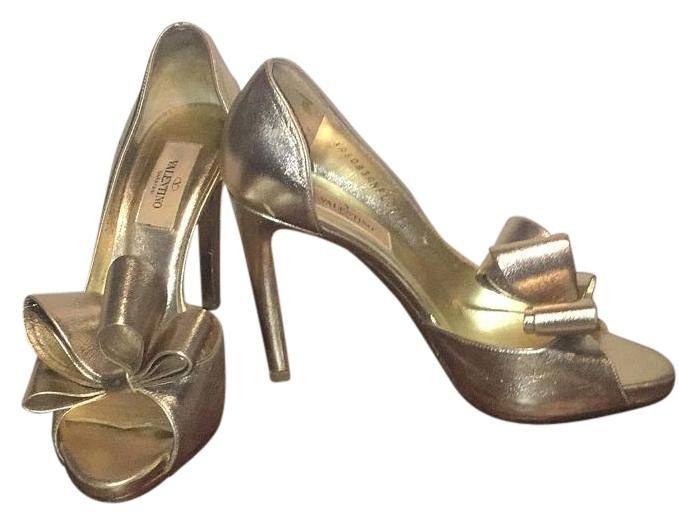 Valentino D'orsay Bow Gold Metallic Pumps. Get the must-have pumps of this season! These Valentino D'orsay Bow Gold Metallic Pumps are a top 10 member favorite on Tradesy. Save on yours before they're sold out!