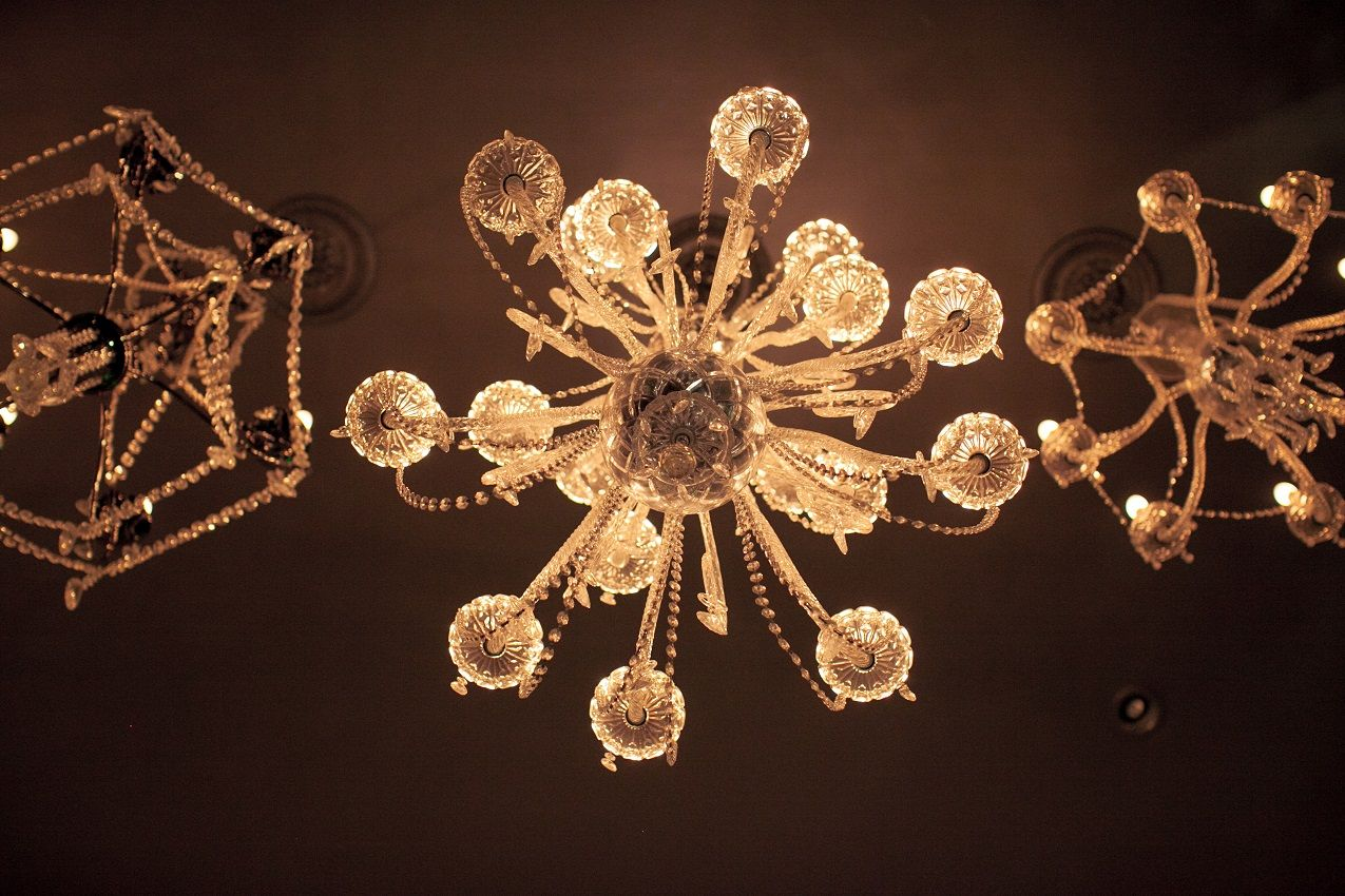 Vintage Chandeliers at the Culver Hotel. - Vintage Chandeliers At The Culver Hotel. Mood Lighting Pinterest
