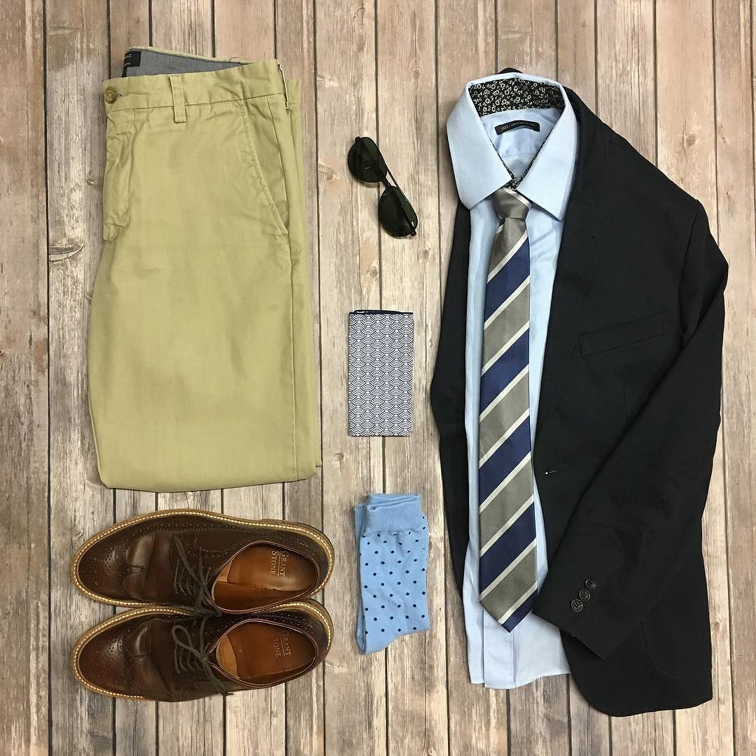 Starting off the week right with some past @sprezzanyc x @sprezzabox items and my custom @origstitch herringbone shirt.  #theamateurprofessional #sprezzabox #sprezzanyc #combatgent #bananarepublic #grantstone #shopditto #dolceandgabanna