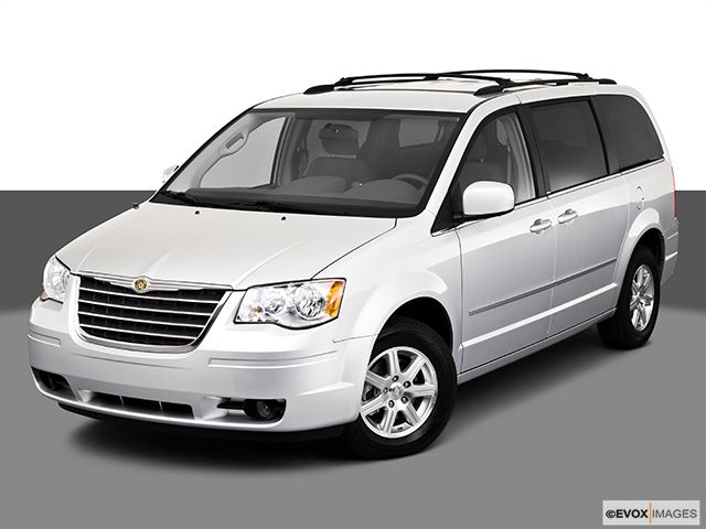 2010 Chrysler Town Country Touring Only 17 990 Chrysler