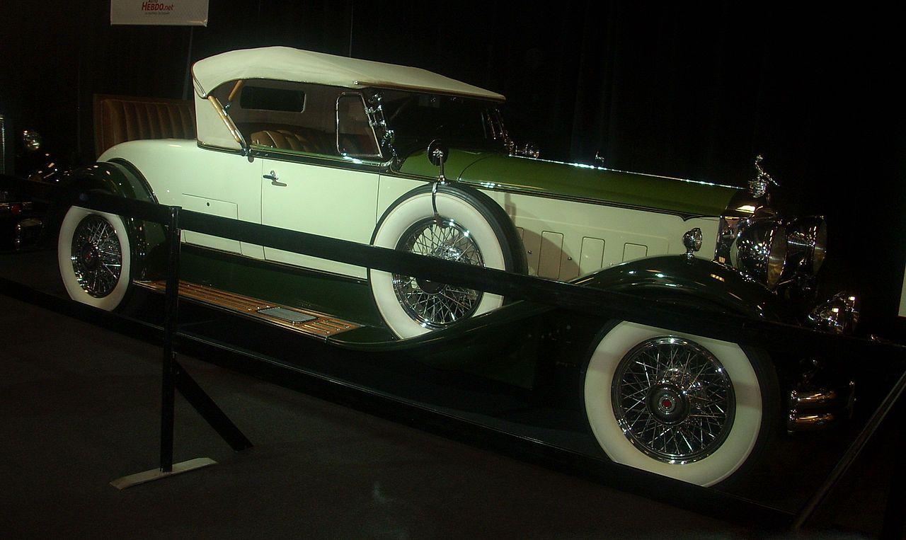 1930 Packard Deluxe Eight Roadster