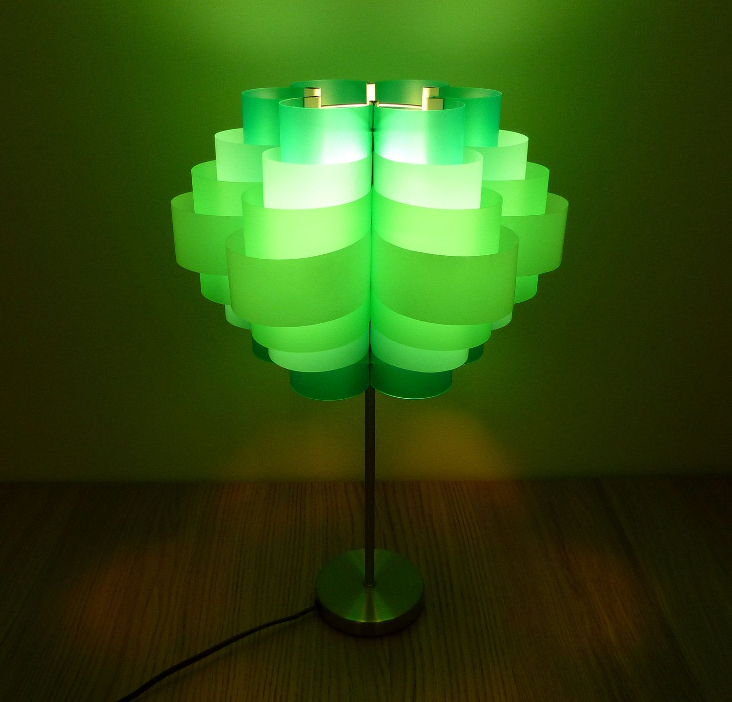 Recycled Plastic Bottle Lamp Daisy 12 Plastic Bottle Table Lamp For The Home Recycle