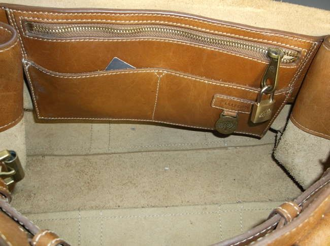 A Mulberry 'Bayswater' oak natural leather handbag   Lot 435   10, 43 Sworders Auctioneers