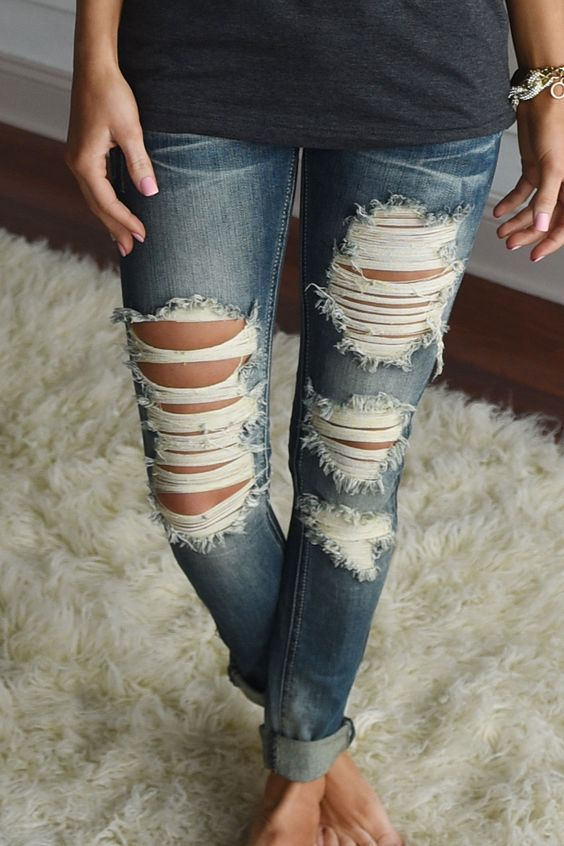 How to rip skinny jeans at home