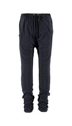 Bukser  Hos POMPdeLUX finder du de bukser, som passer bedst til dit barn. Vi har et bredt udvalg af farver og modeller – lige meget om du er til jeggins, jeans, baggy eller slimfit bukser. Vores bukser er lavet i lækre materialer lige fra sweat til strik, og der er bukser til alle lejligheder. Vores bukser, jeggins og jeans går fra størrelse 80 cm til 152 cm, og der er masser af inspiration at hente til børnenes garderobe.: Fulton PANTS