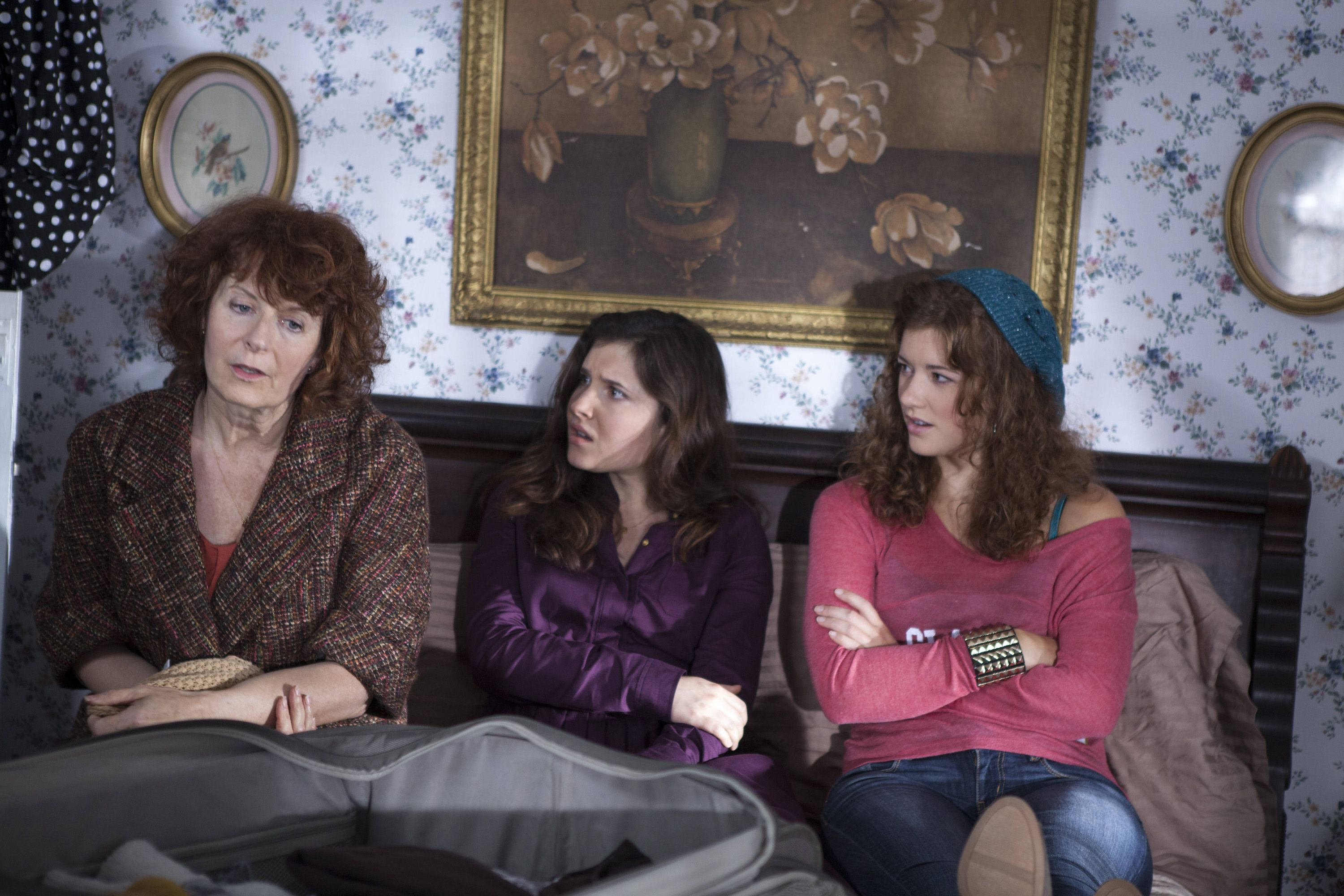 March Sisters At Christmas Lifetime Ch 108 Dish Imagine A Contemporary Take On Little Women Which Features A Fam Christmas Movies Best Holiday Movies Movies