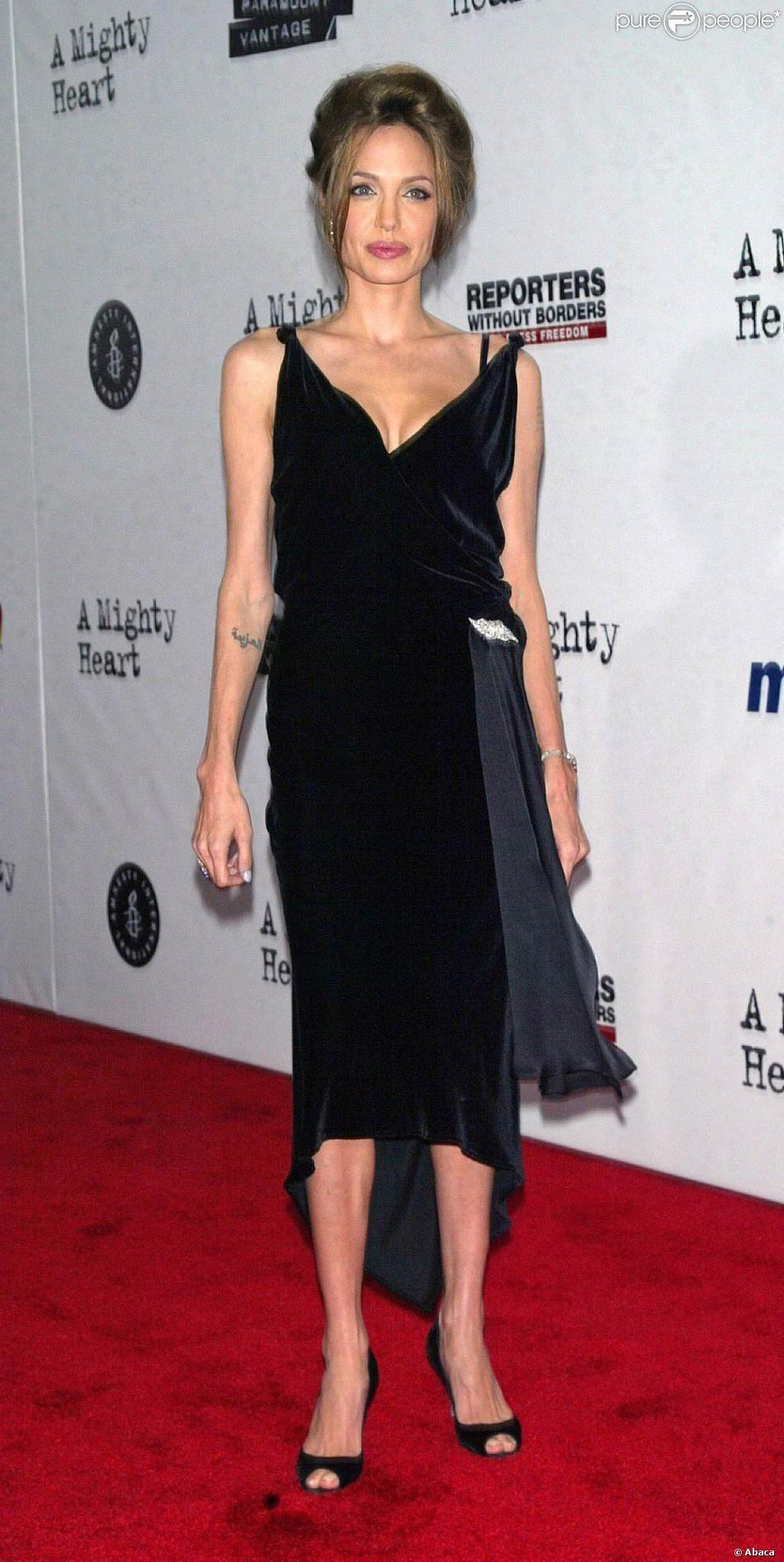 Angelina Jolie Anorexique Photo anorexique et a peine 35 kg, angelina jolie risque de perdre brad pitt