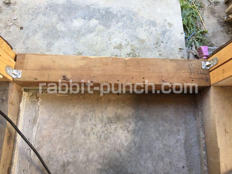 キッチンの勝手口を塞いで壁にする 基礎土台から壁下地までをdiy 壁
