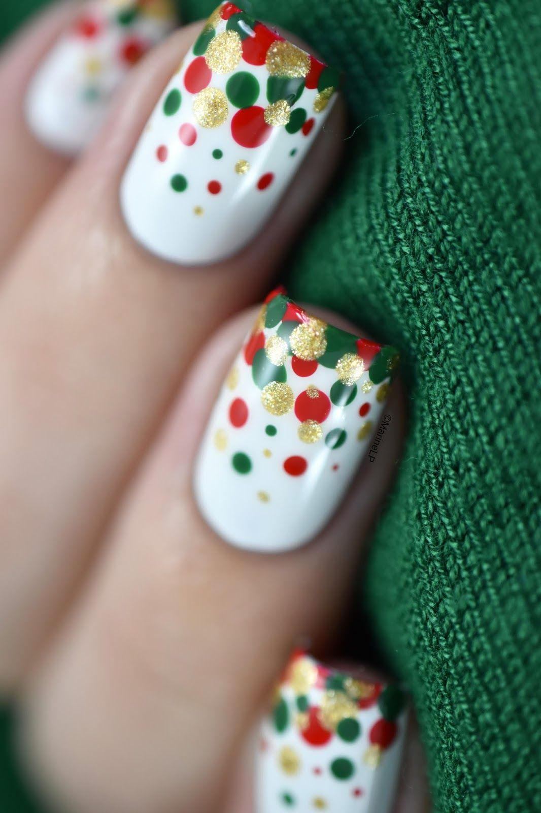Easy and festive Christmas confetti nail art video tutorial. | Nails ...