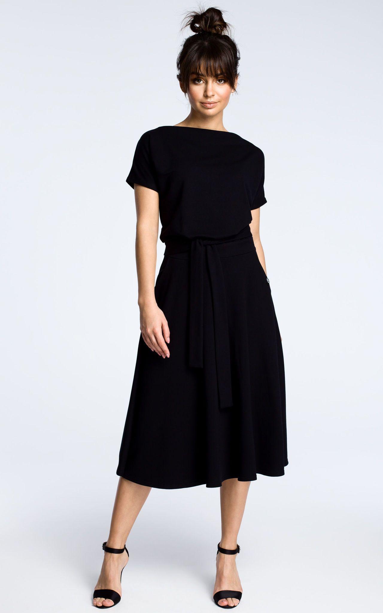 Black Midi Dress With Loose Fitting Top | MOE | SilkFred -   17 dress Simple midi ideas