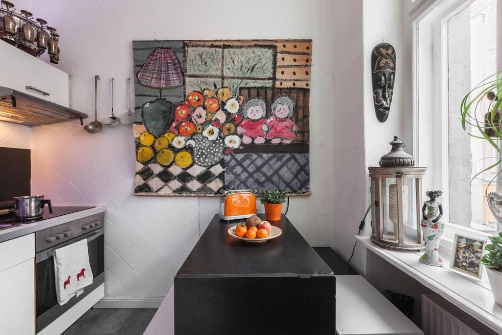 Schöne und bunte Berliner Küche in Neukölln Wohnung inBerlin