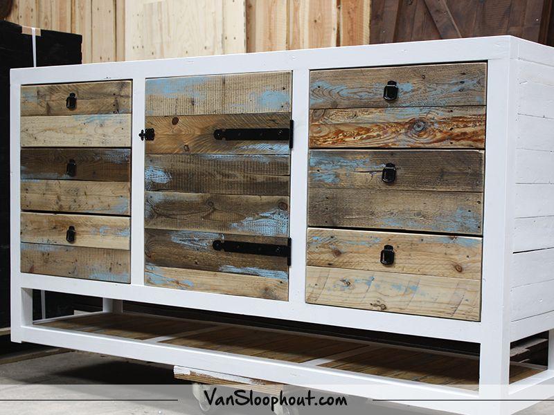 Kast Riviera Maison : Mooi sloophout dressoir met lades en deur. bij wie zou dit meubel