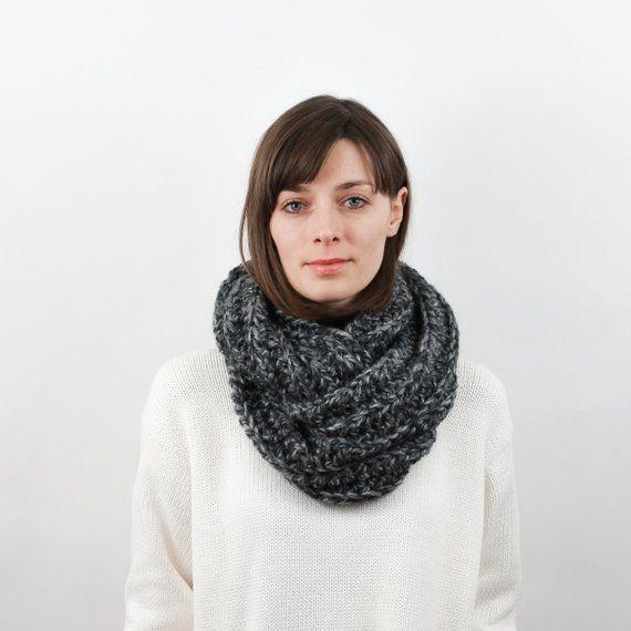 22823c14802 Chunky Knit Infinity Scarf, Wool Scarf, Crochet Scarf, Eternity ...