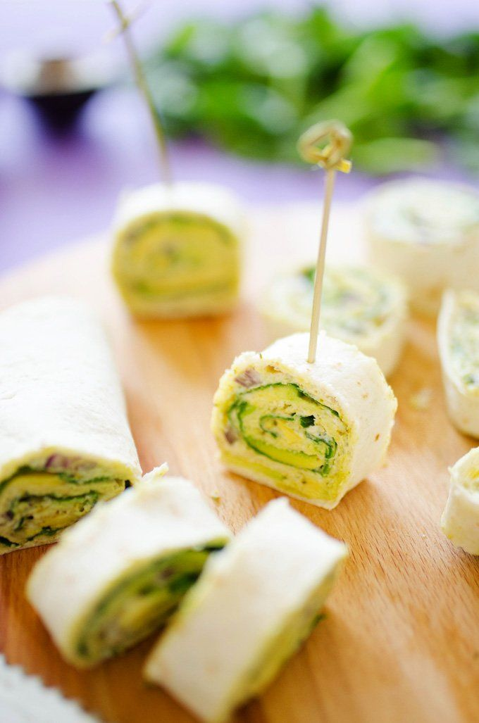 Avocado+Pesto+Pinwheels+via+@liveeatlearn