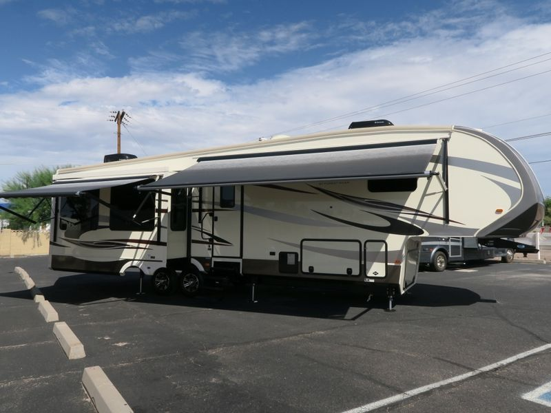 2016 Forest River Cardinal 3850RL for sale Mesa, AZ