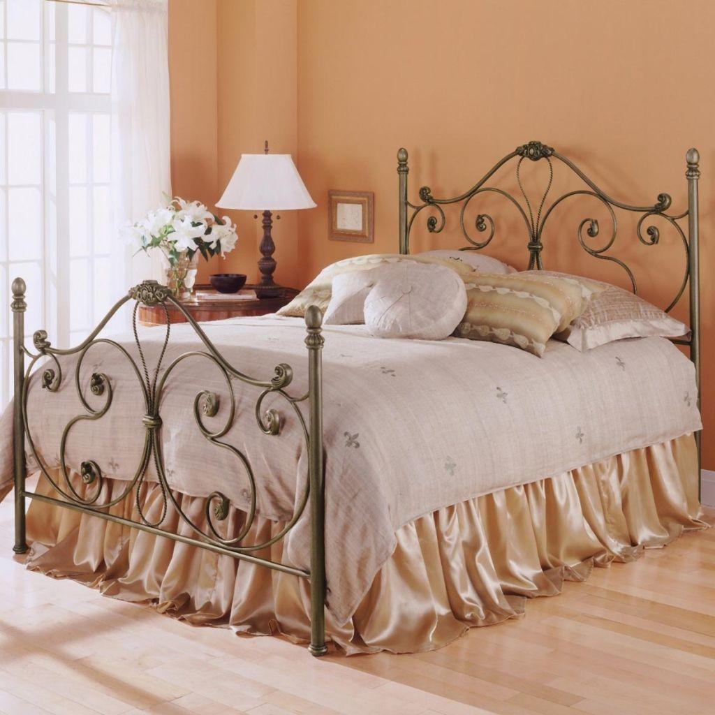 wood and iron bedroom furniture interior design ideas