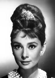 Audry Hepburn - Iconic image from Breakfast at Tiffany's