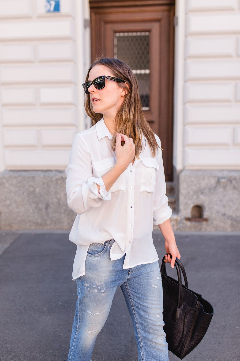 OUTFIT: Weisse Bluse und Jeans. #simpleandmore | Outfit