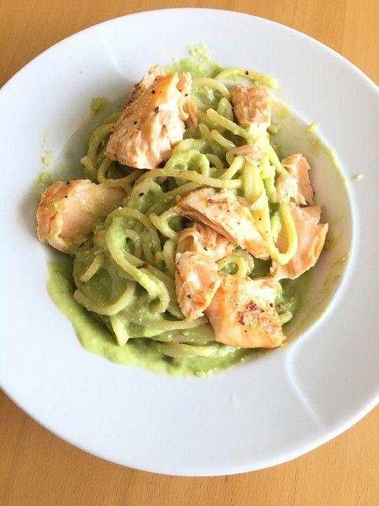 Photo of Nudeln mit Avocado und Lachs von UlrikeBerlin_is_cooking | Chefkoch