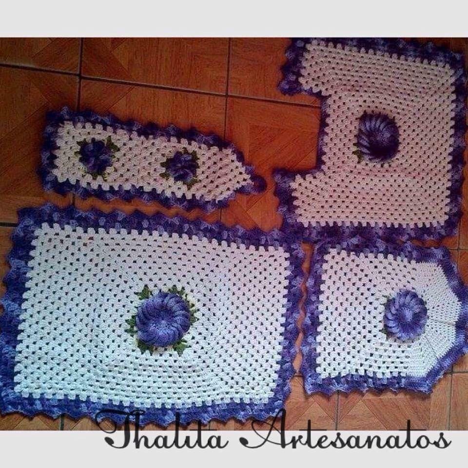 Jogo de banheiro 4pecas https://www.facebook.com/pages/Thalita-Artesanatos-Vendas/477031682453686