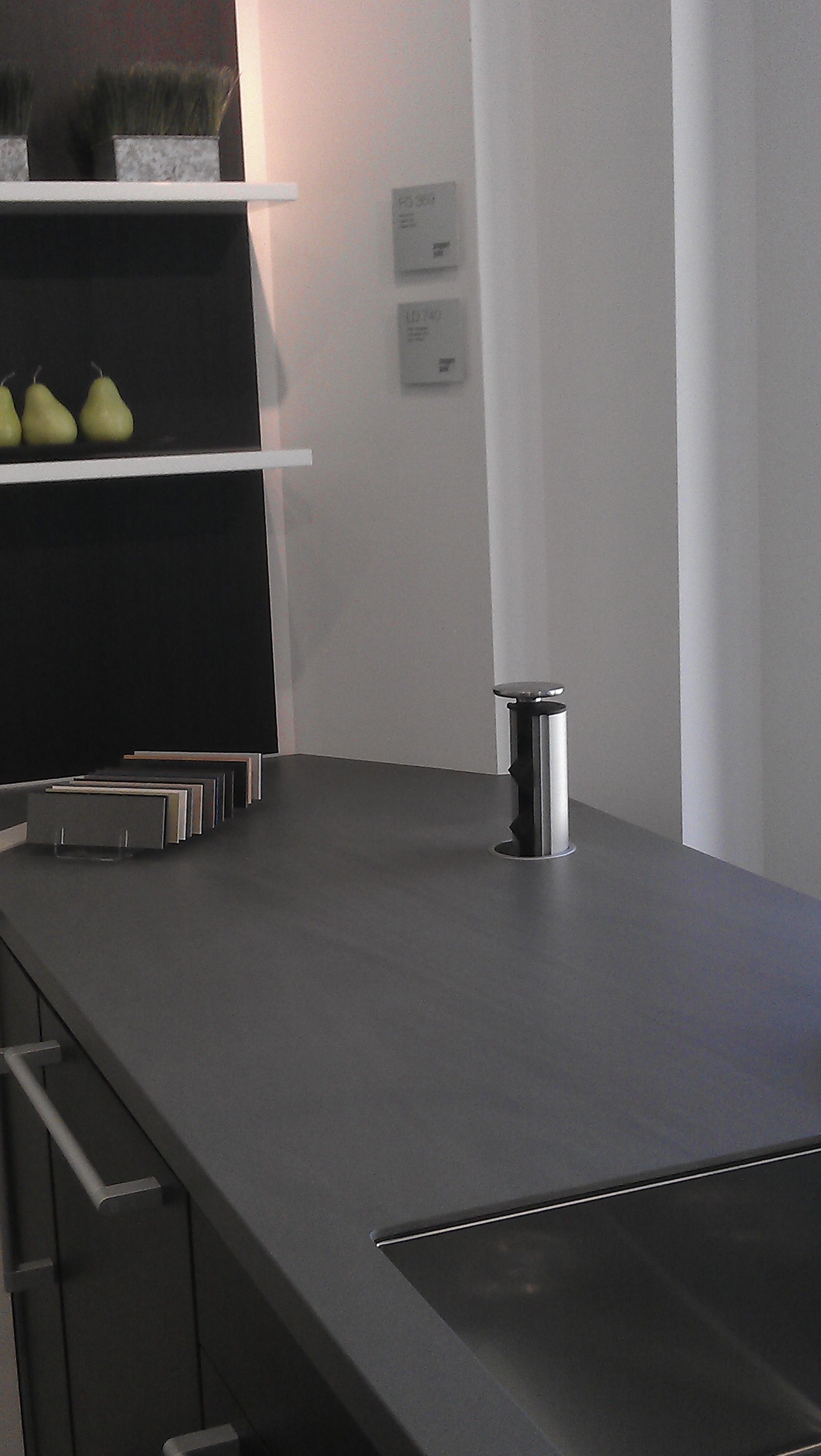 evoline port 1129 es with 2 sockets and a stainless steel lid