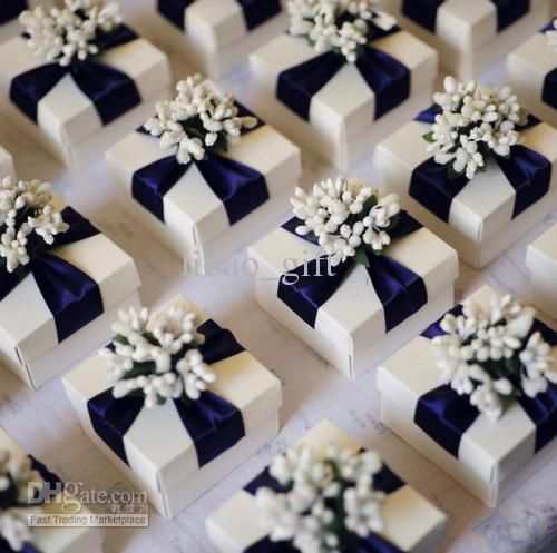 Wholesale British Royal Theme Candy Gifts Chocolate Handmade Favors Boxes With Flower Amp Rib Blue Wedding Favors Customized Wedding Favor Wedding Favor Boxes