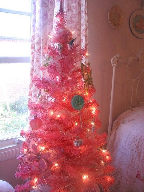 Pink Christmas Tree, 2013 Hot Pink Christmas tree, Pink Christmas ...