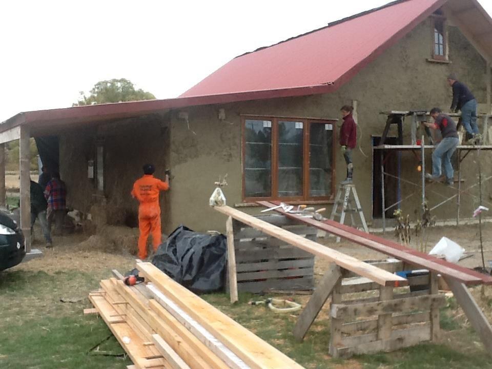 Team Working On Mud, Building, Exterior, Design, NZ, New Zealand,