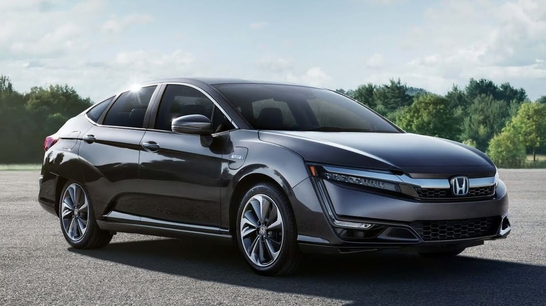Honda Is All Set To Launch It S Clarity Electric Car 2019 Honda Clarity Electric Has Hit The Mar Honda Owners Manuals Automotive Photography