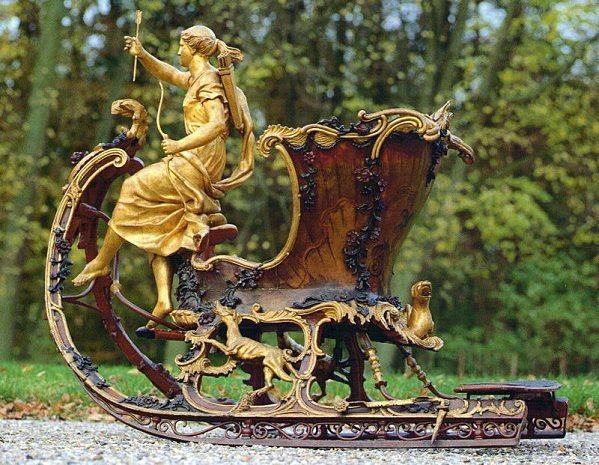 Diana artemis sledge sleigh antiks pinterest for Artemis muebles