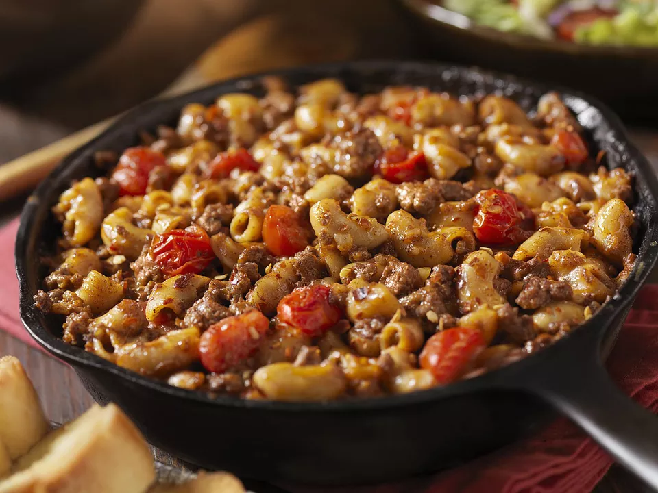 Beefy Greek Skillet Is A Flavorful And Simple One Dish Recipe Recipe Beef Recipes Ground Beef Recipes Easy Recipes