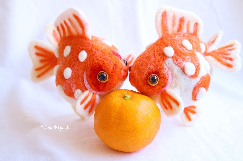 Needle Felted Goldfish Big Ping Pong Pearl In 2020 Needle Felting Goldfish Felt Fish