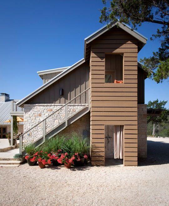 Jim & Dolly's Small & Colorful Garage Apartment   Backyard ...