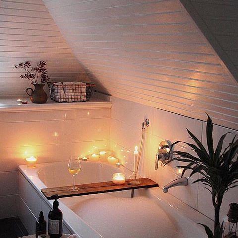 Badezimmer Bad selber renovieren skandinavisch weiß gemütlich - badezimmer gemütlich gestalten
