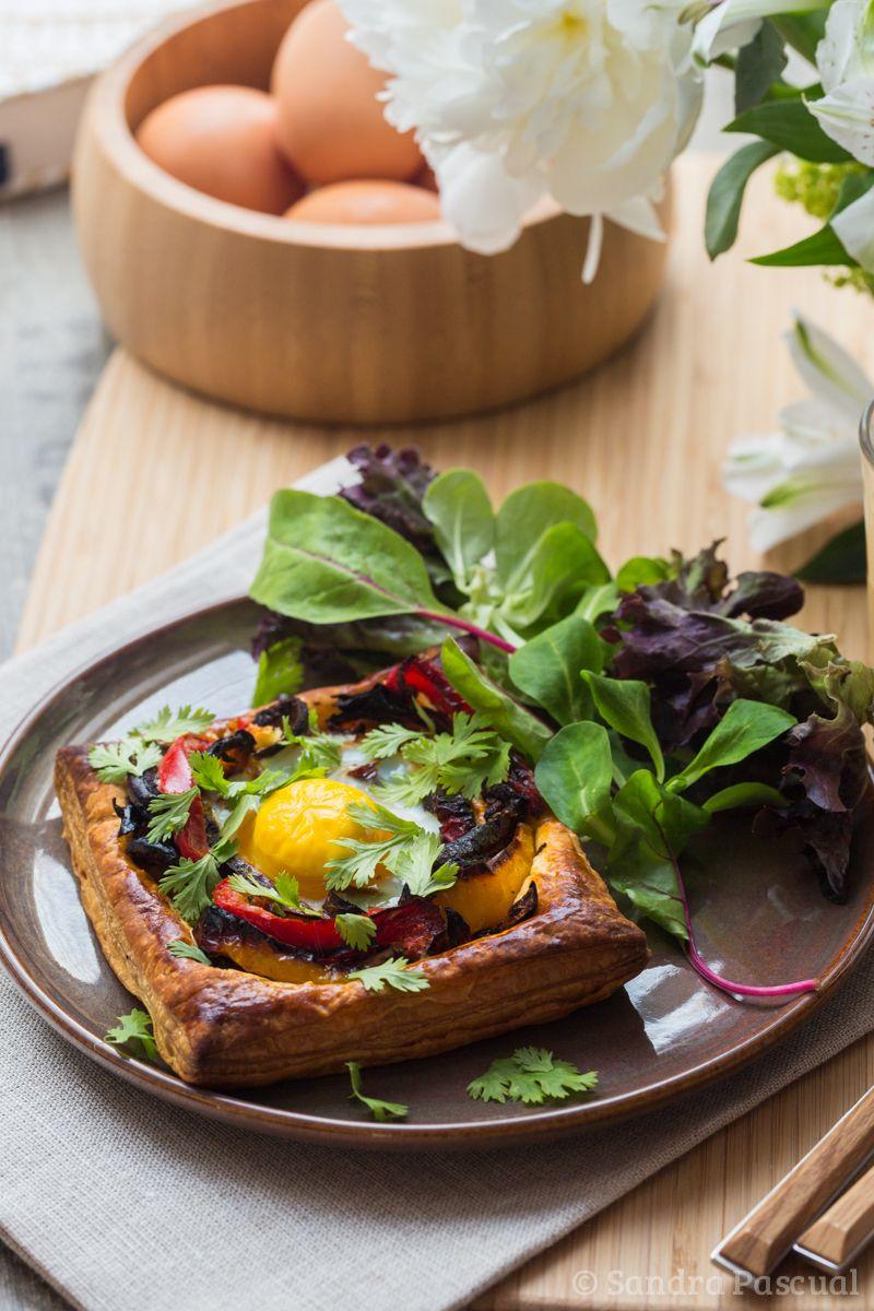carrés feuilletés aux oeufs et poivrons | recipe | egg, pepper and