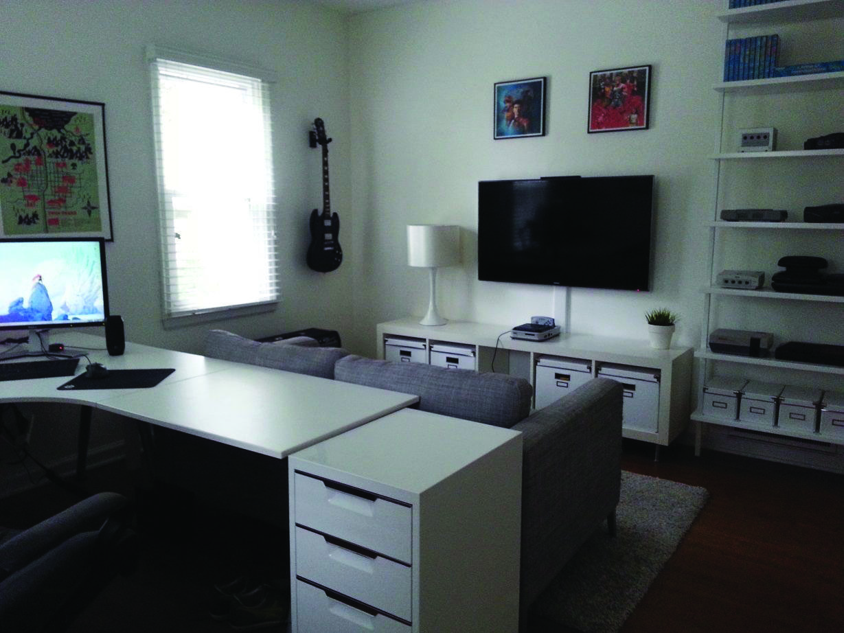 Stunning Low Budget Retro Video Game Room Ideas You Ll Love Small Game Rooms Game Room Layout Room Layout