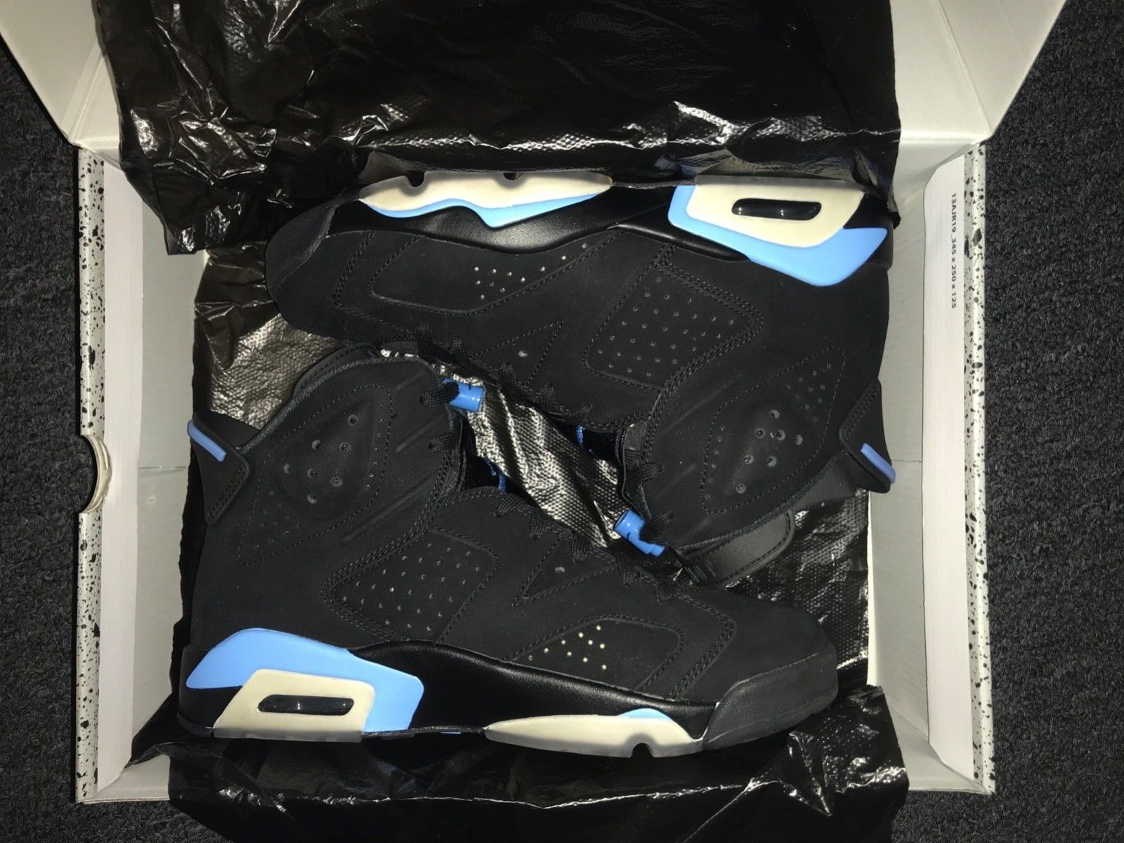 "cheaper c672d 34af3 Nike Air Jordan 6 Retro ""UNC"" Black University Blue size 9 !!"