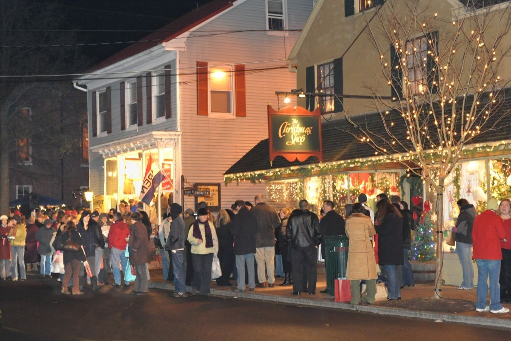 christmas in st michaels includes a house tour of historic and new waterfront homes - Christmas In St Michaels