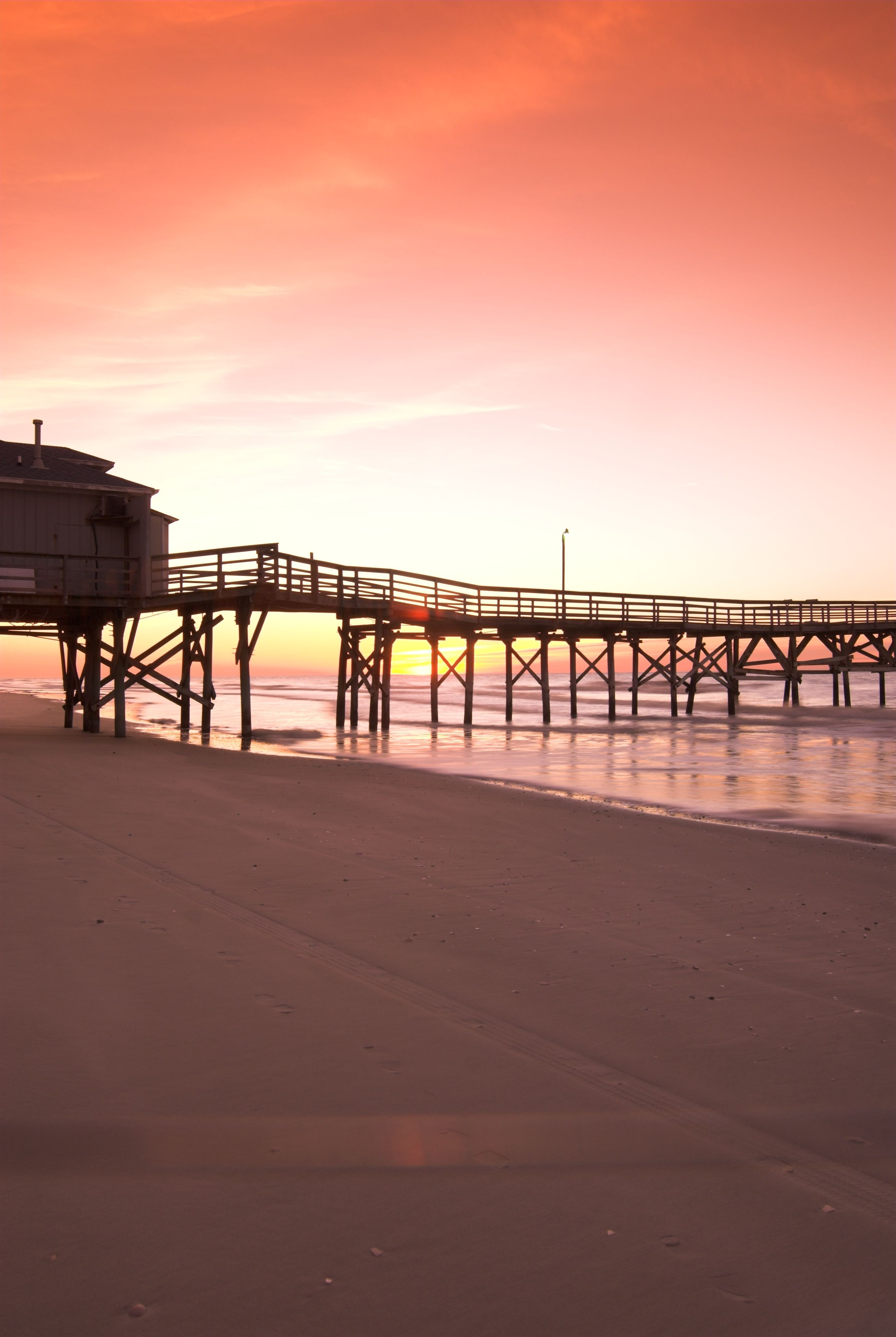 Stunning sunsets are within your reach the prince resort for Cherry grove pier fishing report