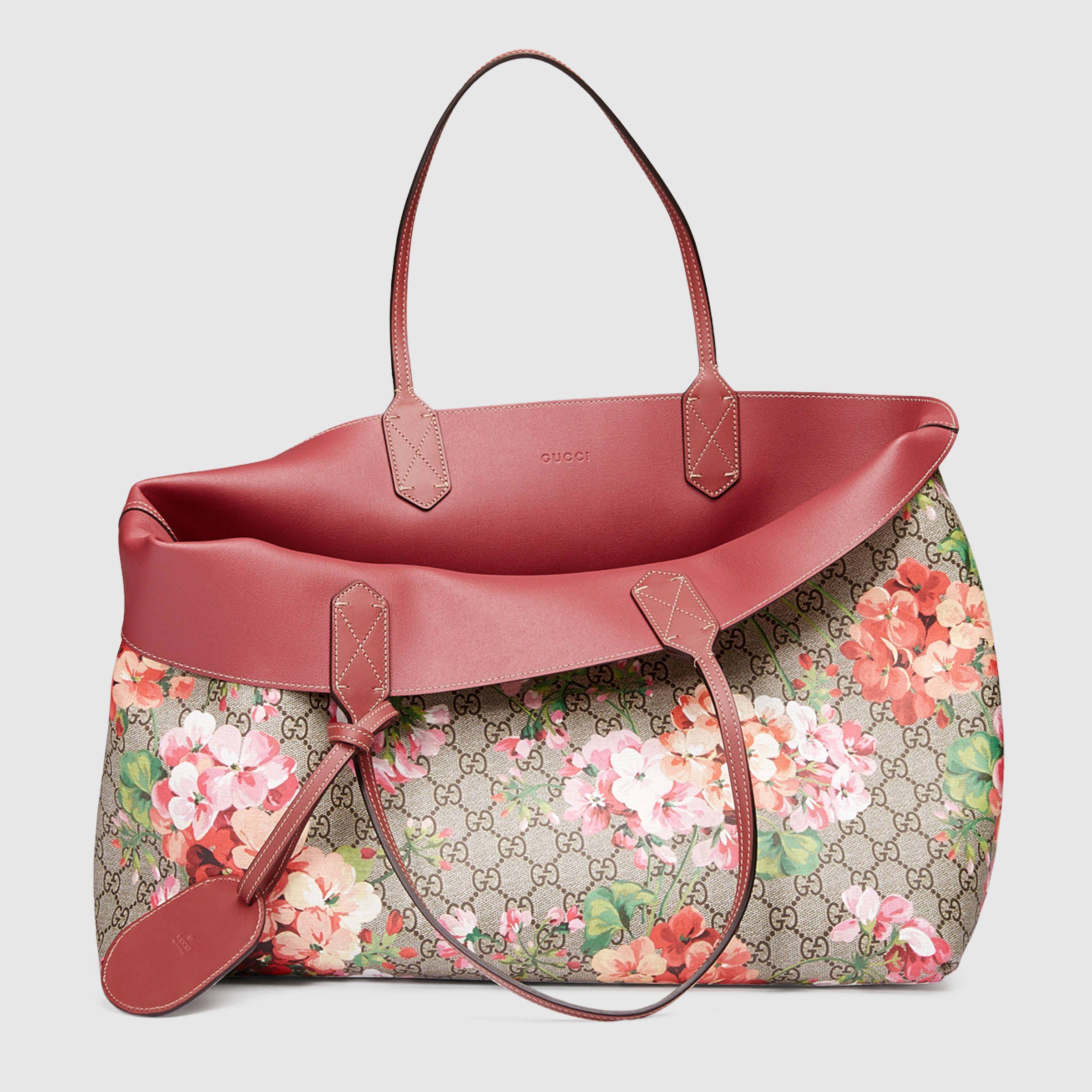 024d3e2d7d4c39 Gucci Women - Reversible GG Blooms leather tote - 368571CU7108693 ...
