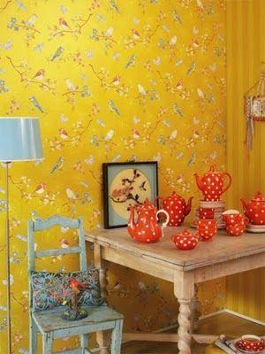 Keltainen talo rannalla: Väriä seinille