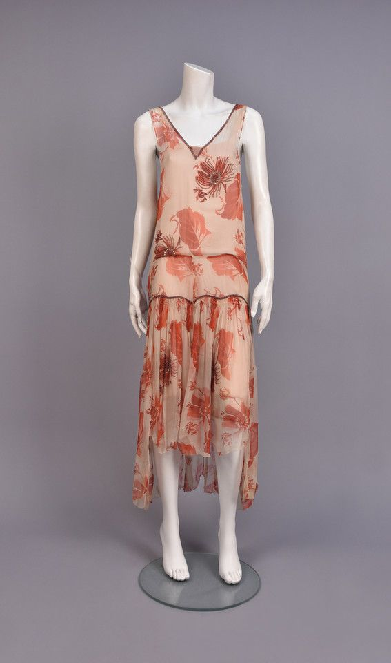 LOT 651 FRENCH PRINTED CHIFFON DRESS with BEADWORK, 1930s