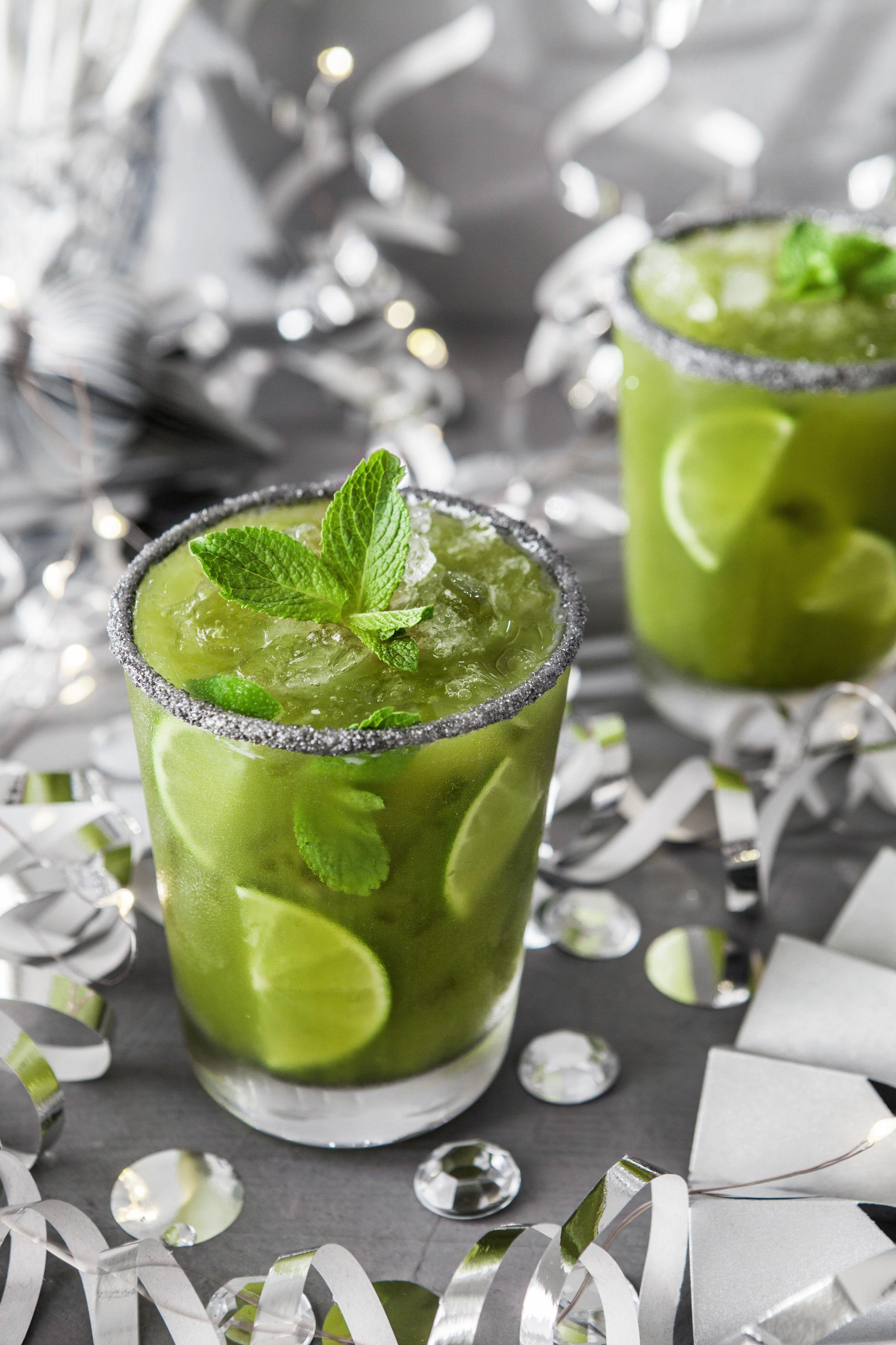 Matcha Mojito Ein Atemberaubender Drink Der In Weniger Als 5 Minuten Zubereitet Ist Mojito Rezepte Matcha