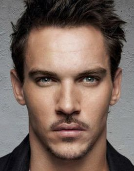 Dracula show coming in 2013: Jonathan Rhys Meyers ( he is the love of my life I believe, the hottest man hands down)
