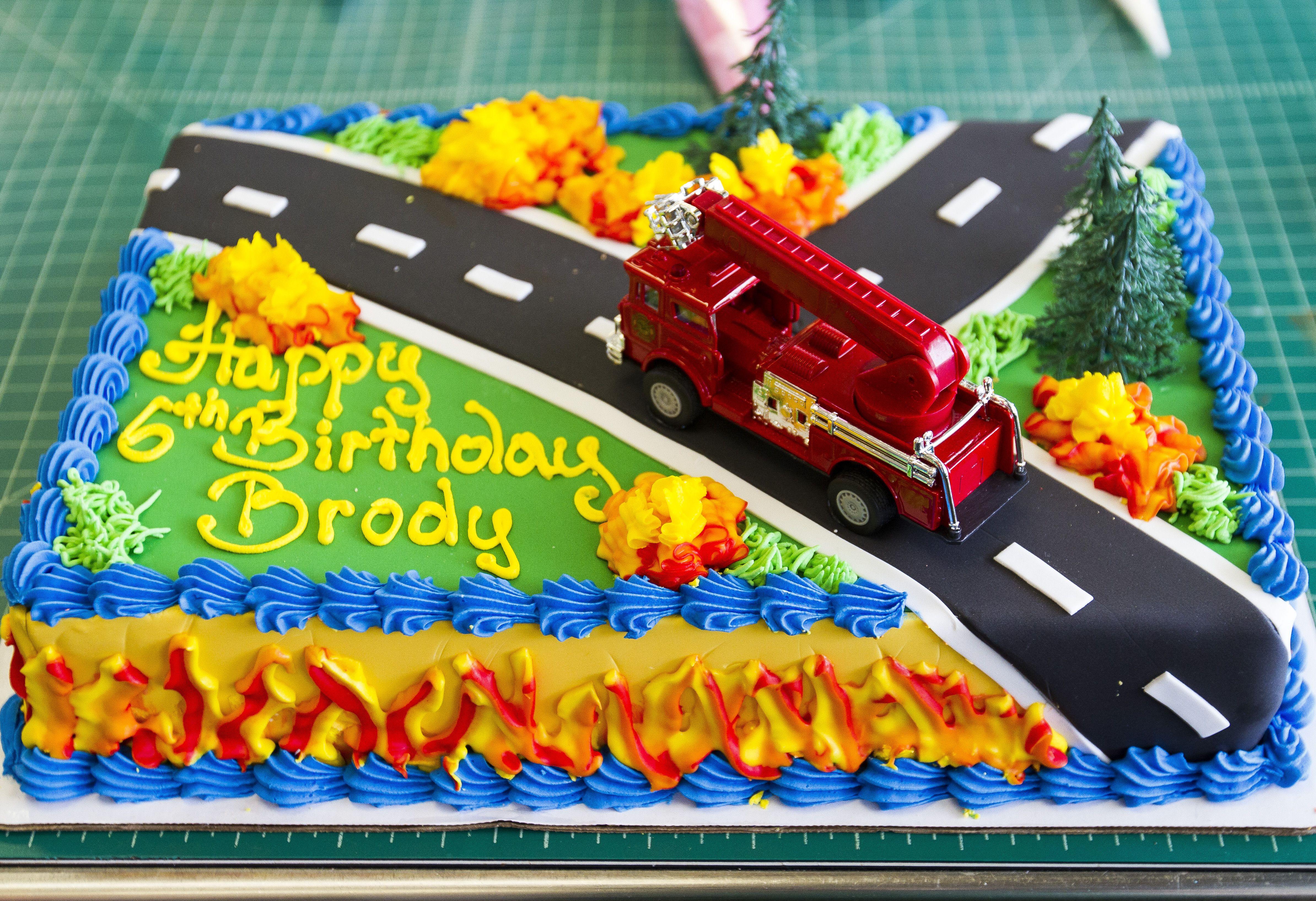 Firetruck Cake 173 Firetruck Birthday Party Firetruck Cake