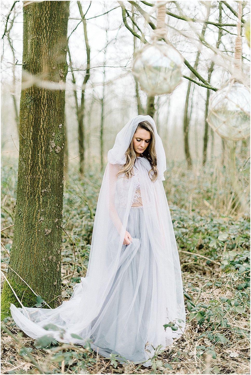 5 Tips For Elegant Nerdy Themes For Your Wedding like wearing elvish ...