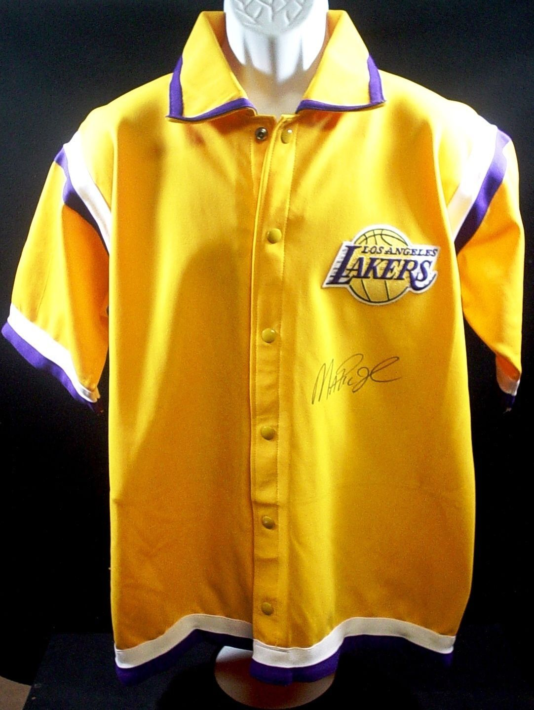 9f1b9d051e8 Magic Johnson Autograph Los Angeles Lakers Warm-Up Jersey NBA Hardwood  Classics