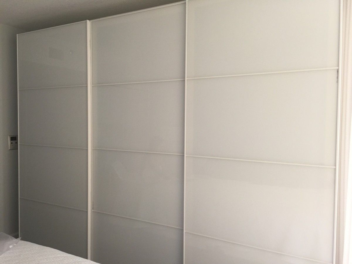 Kleiderschrank Mit Schiebetüren Hackers Help Pax Wardrobe Sliding Doors Added A 3rd Closet And